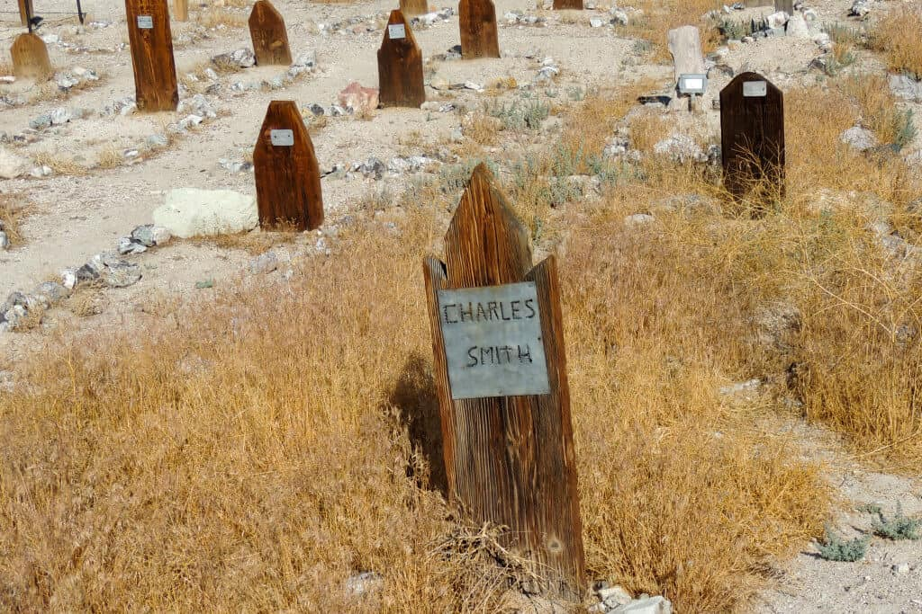A wooden gravestone (Charles Smith) in the Old Tonopah Cemetery