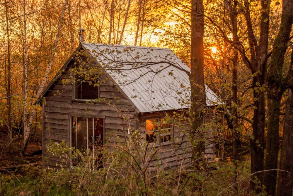 Cabins, Glamping Tents, Treehouses, and Outdoor Retreats - cover
