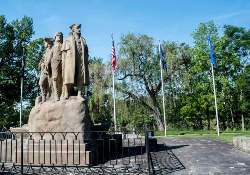 Marietta Statue - Start Westward