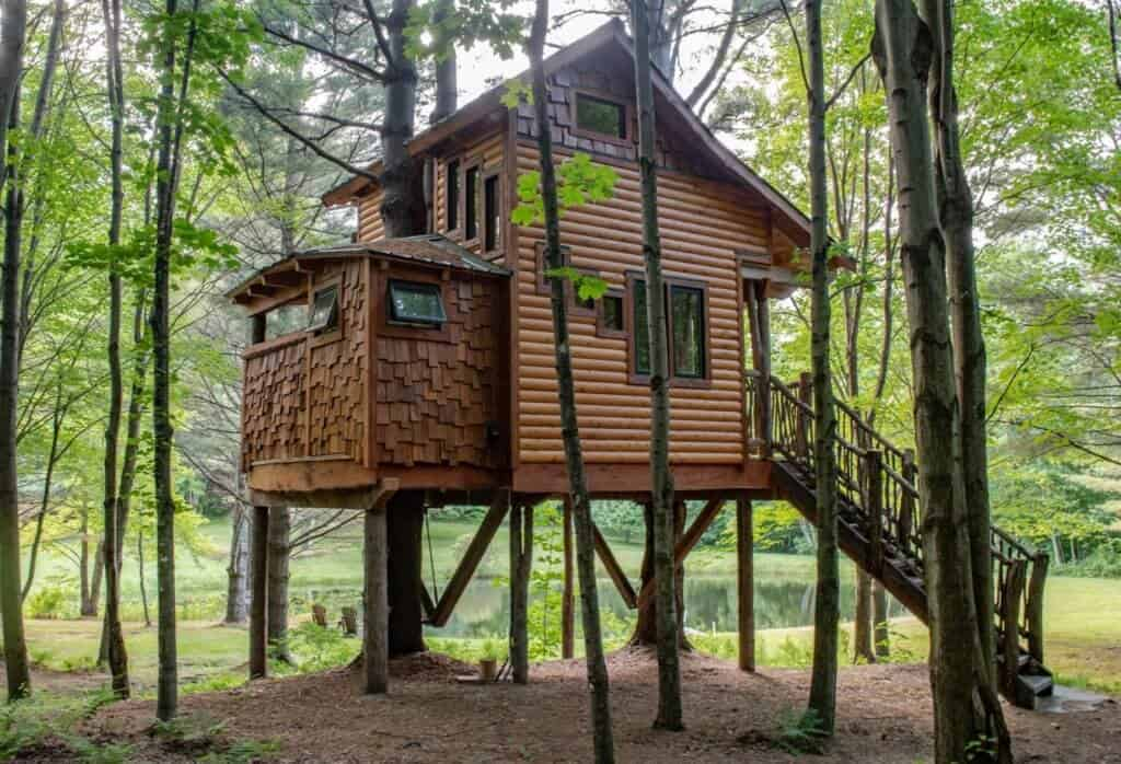 A Vermont treehouse at Moose Meadow Lodge