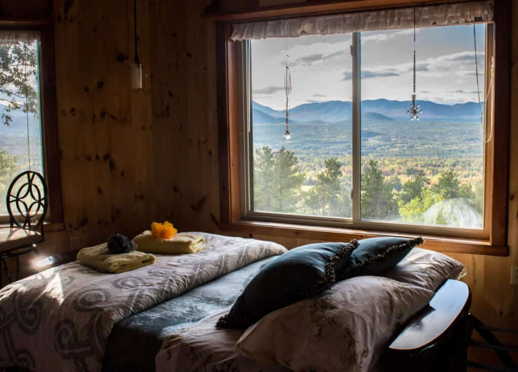 Adirondack cabin rental - bed