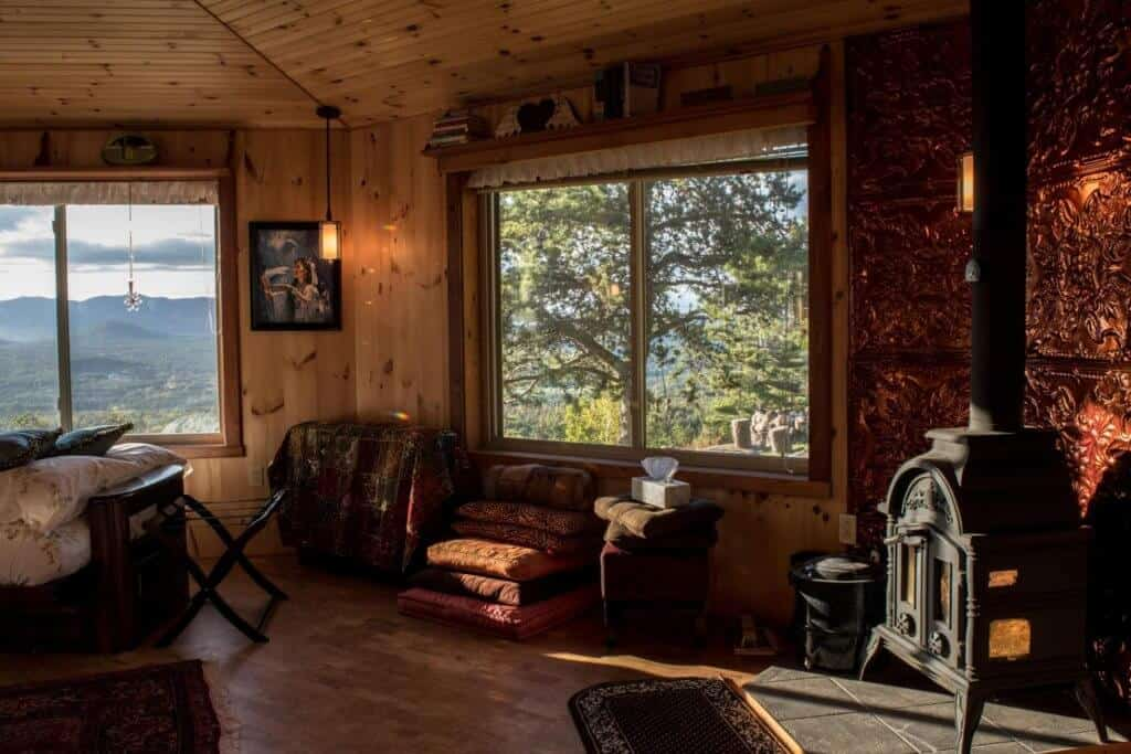 Adirondack Cabin Rental - interior shot