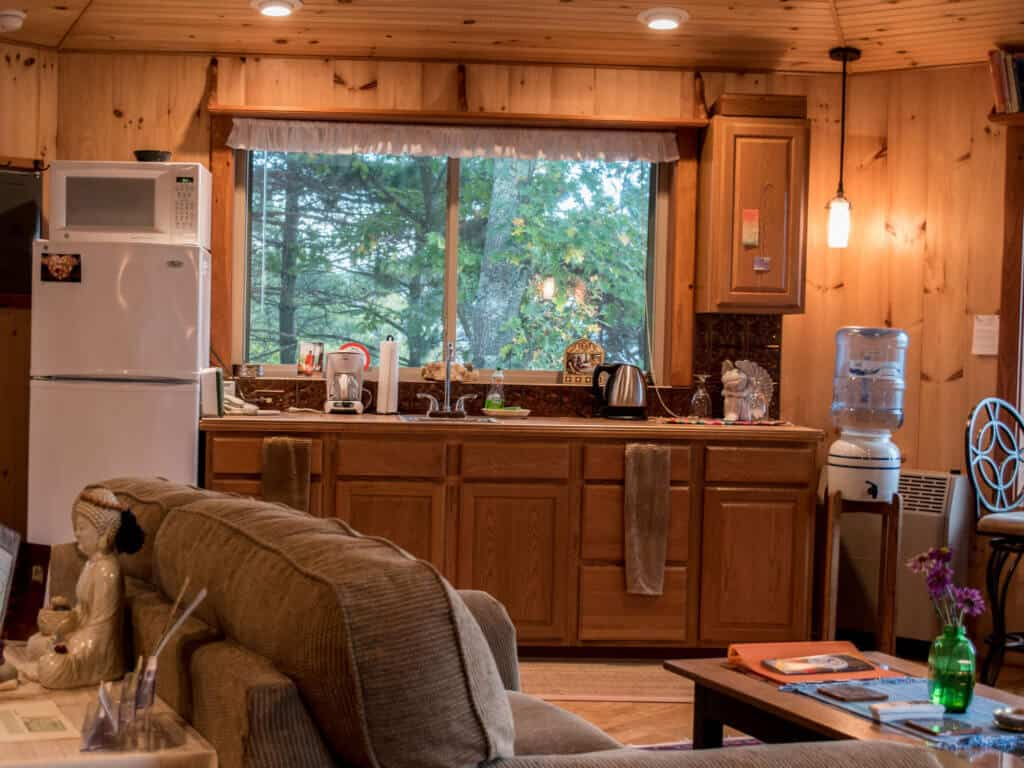Adirondack Cabin Rental - kitchen