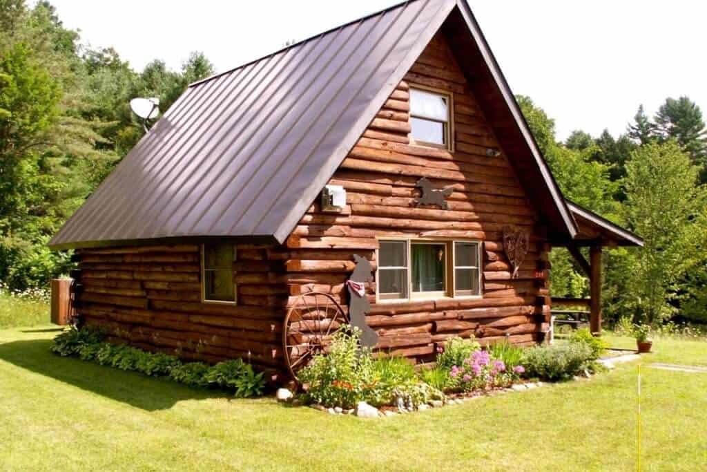 Vermont Glamping Cabin - Royalton, Vermont