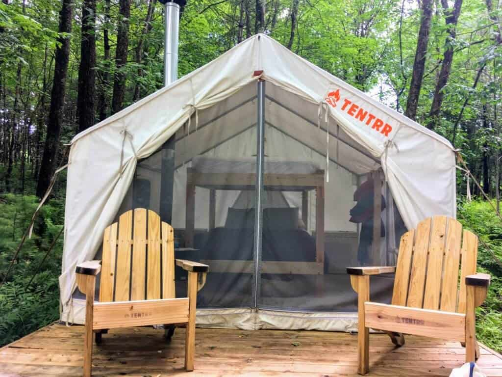 A Tentrr tent and platform in the woods in Maine.