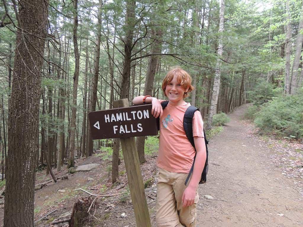 The Hamilton Falls trailhead.