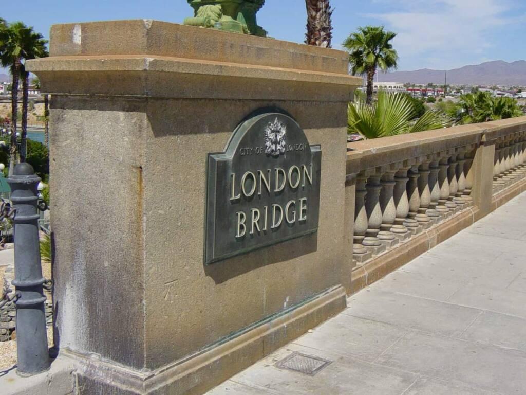The sign on the Lodon Bridge in Lake Havasu, Arizona