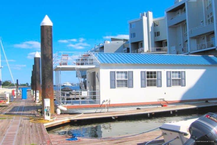 Luxurious Houseboat Rental in Boston Bay Marina