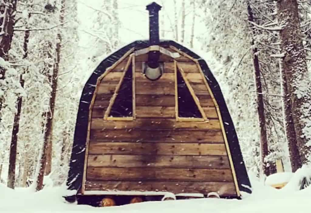 The Coyote's Den winter glamping in Maine. Photo credit: Airbnb