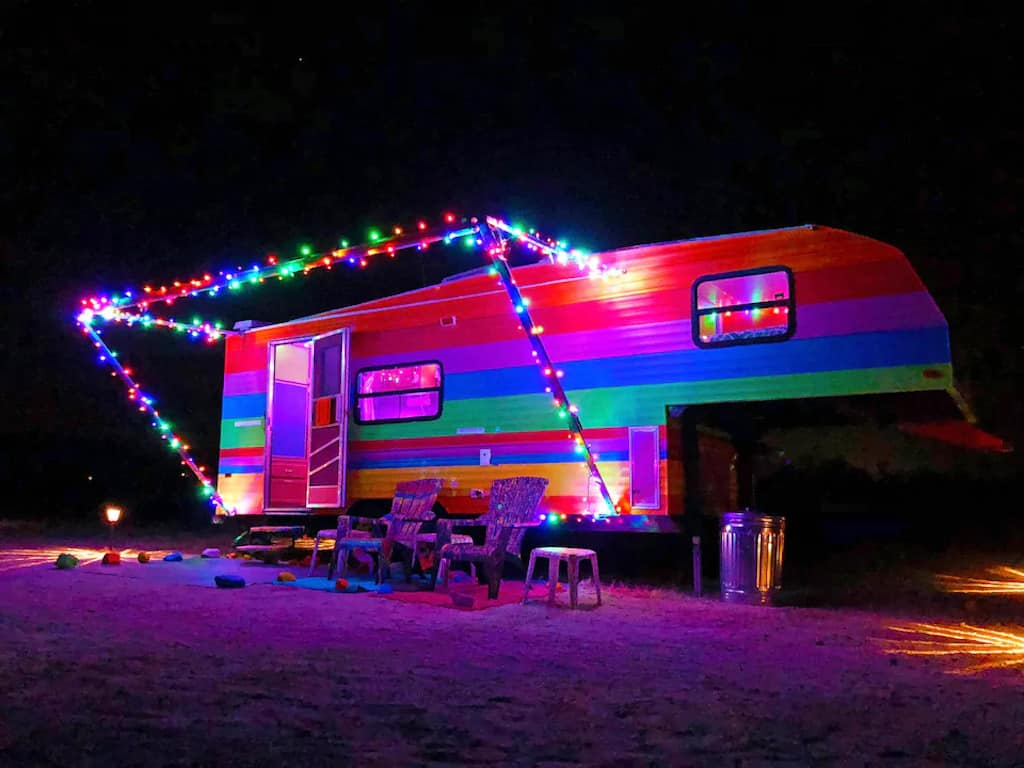 The Color Trip Trailer at night. Photo credit: Airbnb