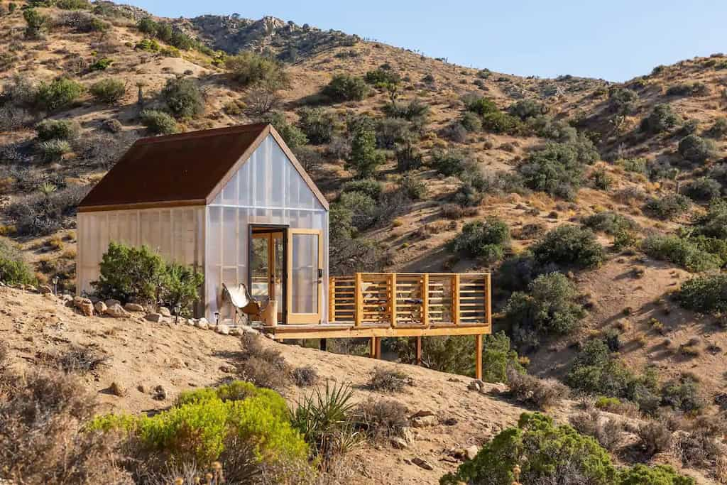 A beautiful minimalist cabin for rent near Joshua Tree on Airbnb. Photo credit: Airbnb