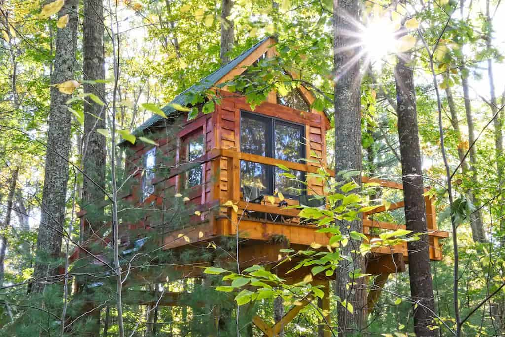 A treehouse for rent in Rye, New Hampshire. Photo source: Airbnb