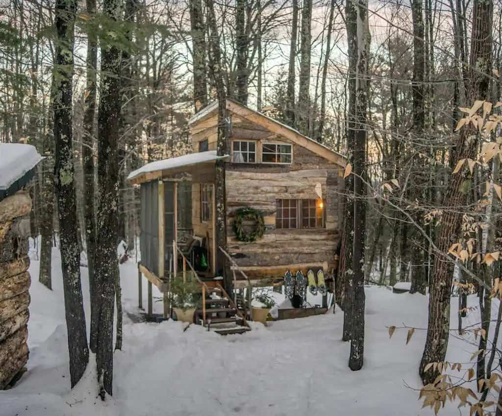 A treehouse rental in New Hamsphire. Photo source: Airbnb